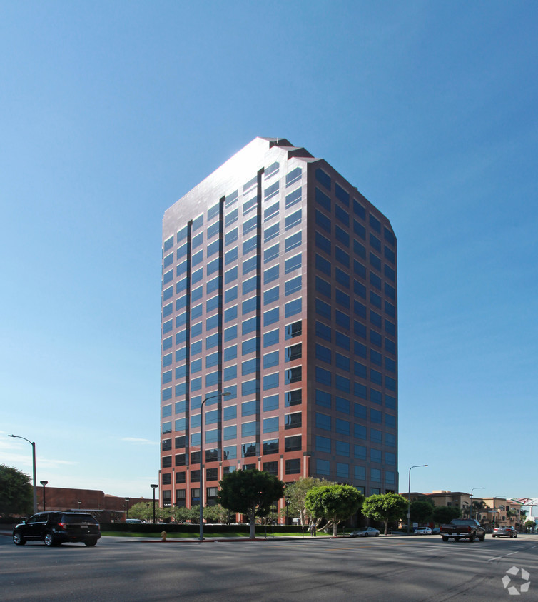 Photo of 11766 Wilshire Boulevard, Los Angeles, CA