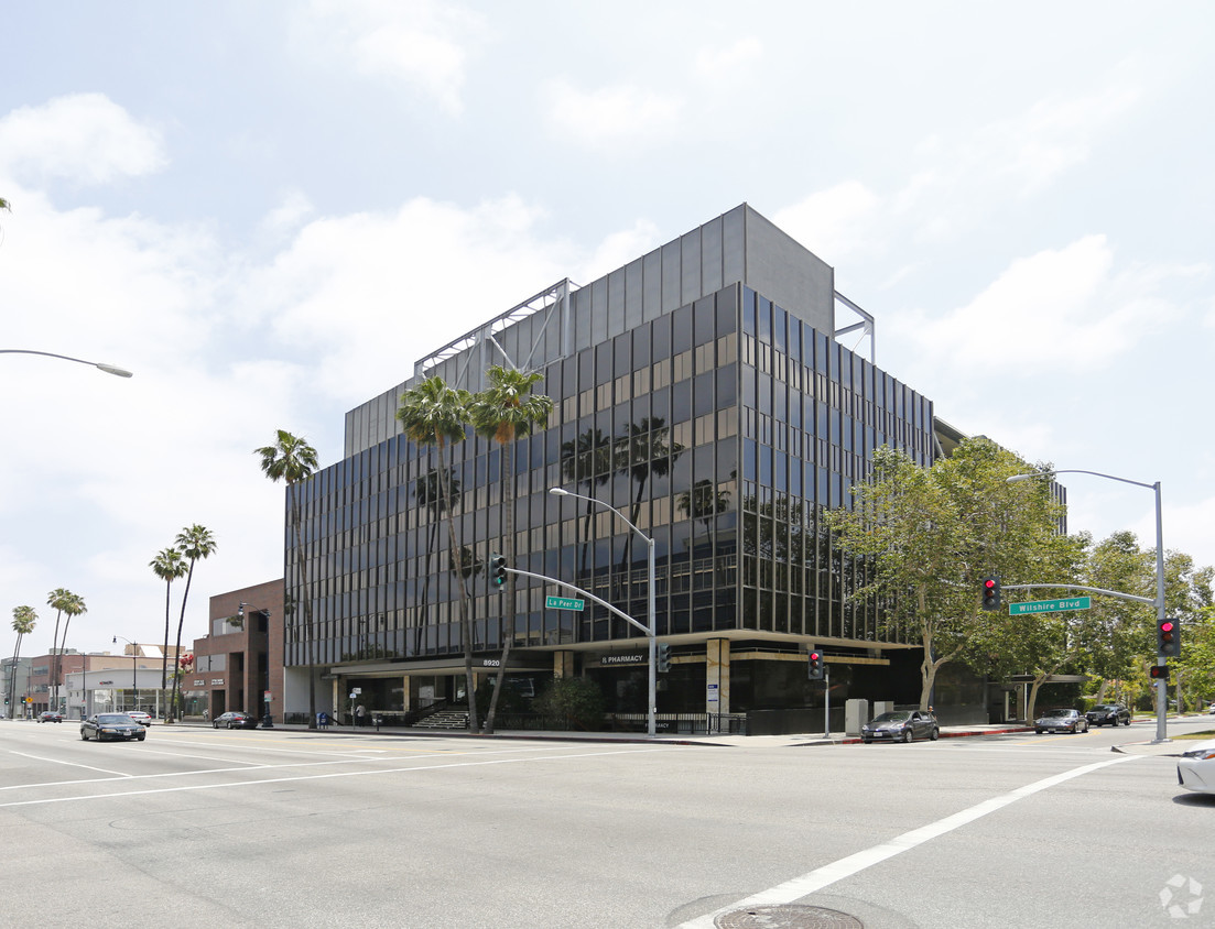 Photo of 8920 Wilshire Boulevard, Beverly Hills, CA